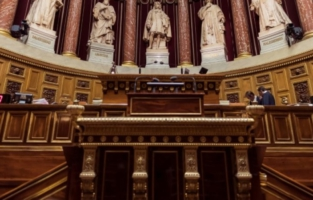 Cagnottes du Sénat la mise en examen de cinq élus de l'ex-UMP confirmée